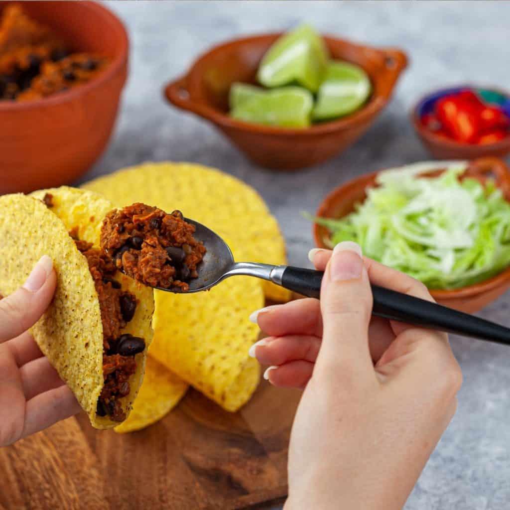 Plant based v2mince tacos