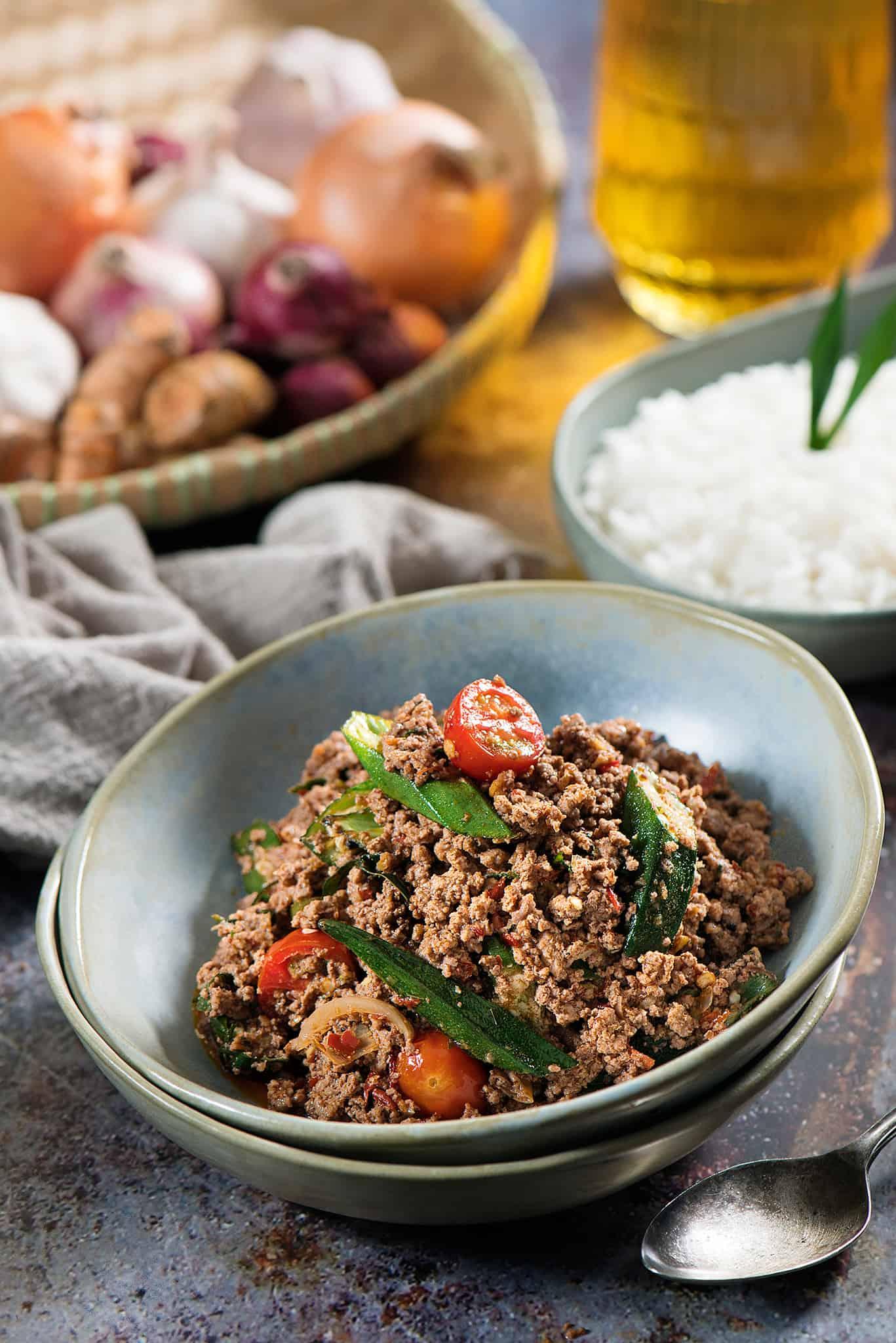 Stir-Fry Beef with Sambal Belacan and Okra